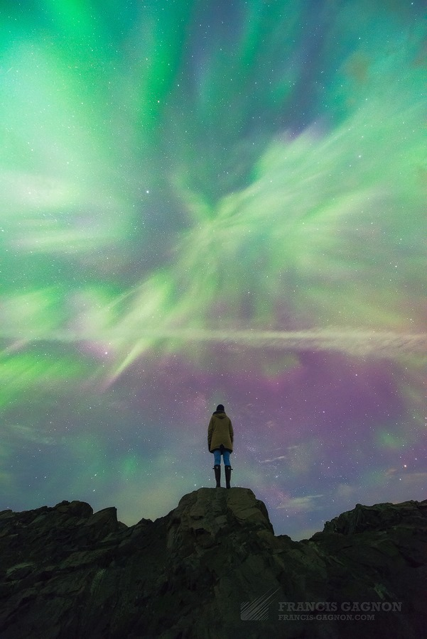 Marie-Carmen Gagnon watching the Aurora by Francis Gagnon